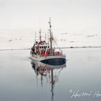 Þórður Jónasson EA 350 kemur að landi í Krossanesi
